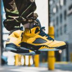 "NIKE AIR JORDAN 5 RETRO SE ""MICHIGAN"" 8/10(土)発売"