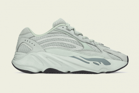 "YEEZY BOOST 700 V2 ""HOSPITAL BLUE"" 9/28(土)発売"