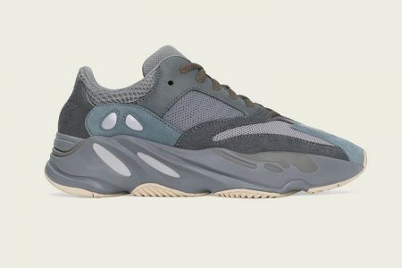 "YEEZY BOOST 700 ""TEAL BLUE "" 10/26(土)発売"