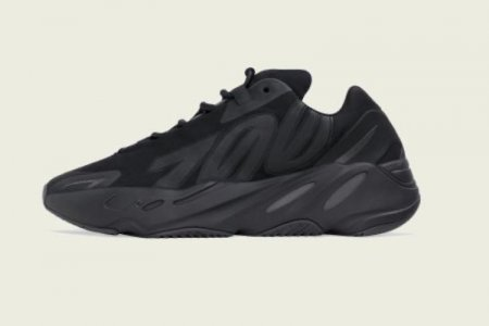 "YEEZY BOOST 700 ""MNVN"" BLACK 2/8(土)発売"