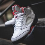 "NIKE AIR JORDAN 5 RETRO ""FIRE RED"" END.にて抽選受付中"