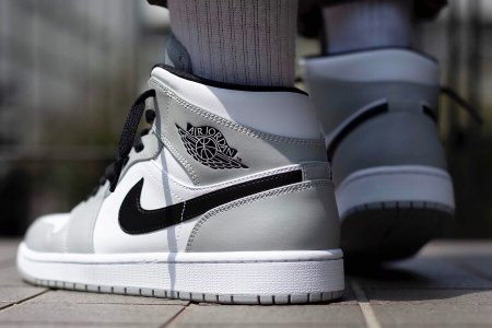 "NIKE AIR JORDAN 1 MID ""LIGHT SMOKE GREY"" 7/11(土)再販"