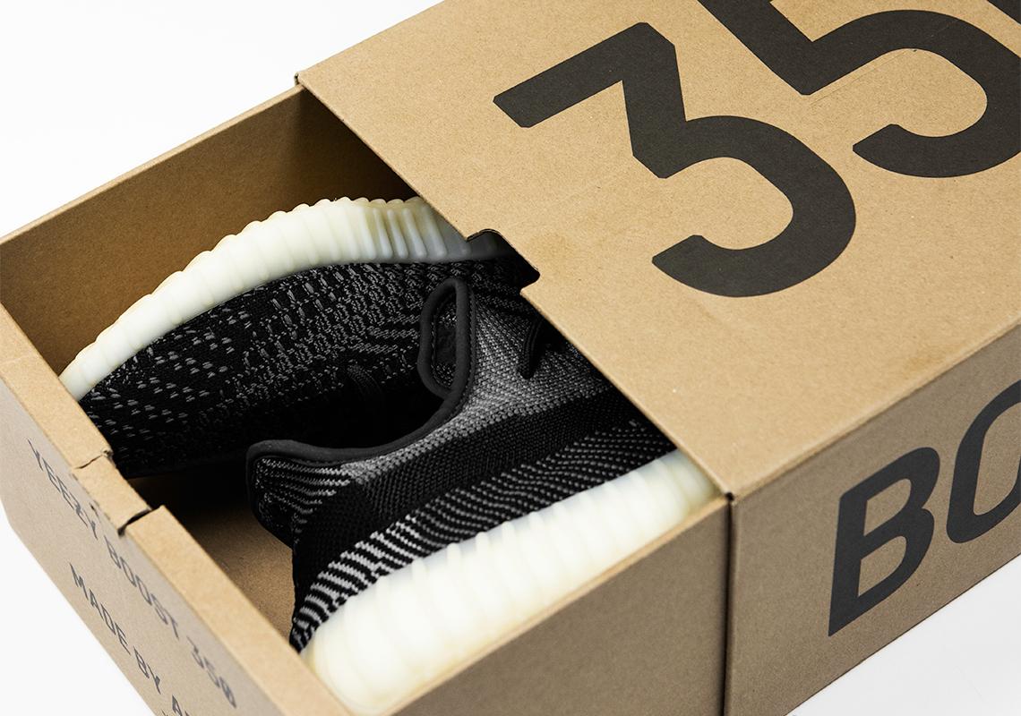 adidas YEEZY BOST 350 V2
