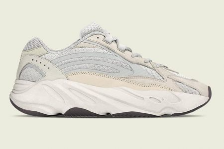 "adidas YEEZY  BOOST 700 V2 ""CREAM"" 2021初旬に発売予定"
