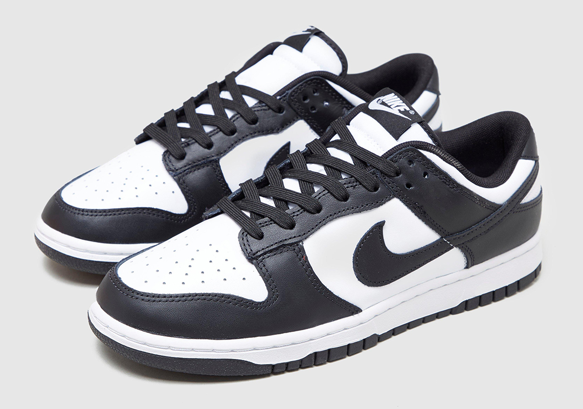 NIKE  DUNK LOW  BLACK/WHITE