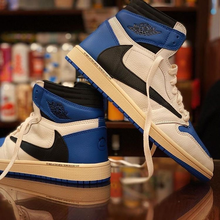 Travis Scott x Fragment x NIKE AIR JORDAN 1 HIGH